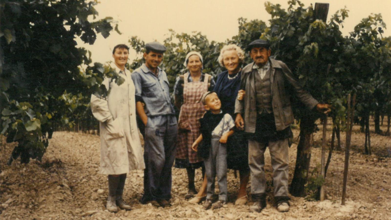 Großeltern und Eltern mit Familie Gleiß