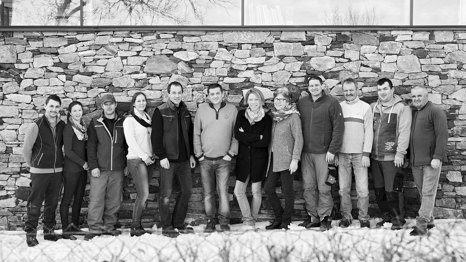 © Klaus Vyhnalek - Unsere Familie und unsere Mitarbeiter sind bereit für den Weinfrühling und die Tour de Vin